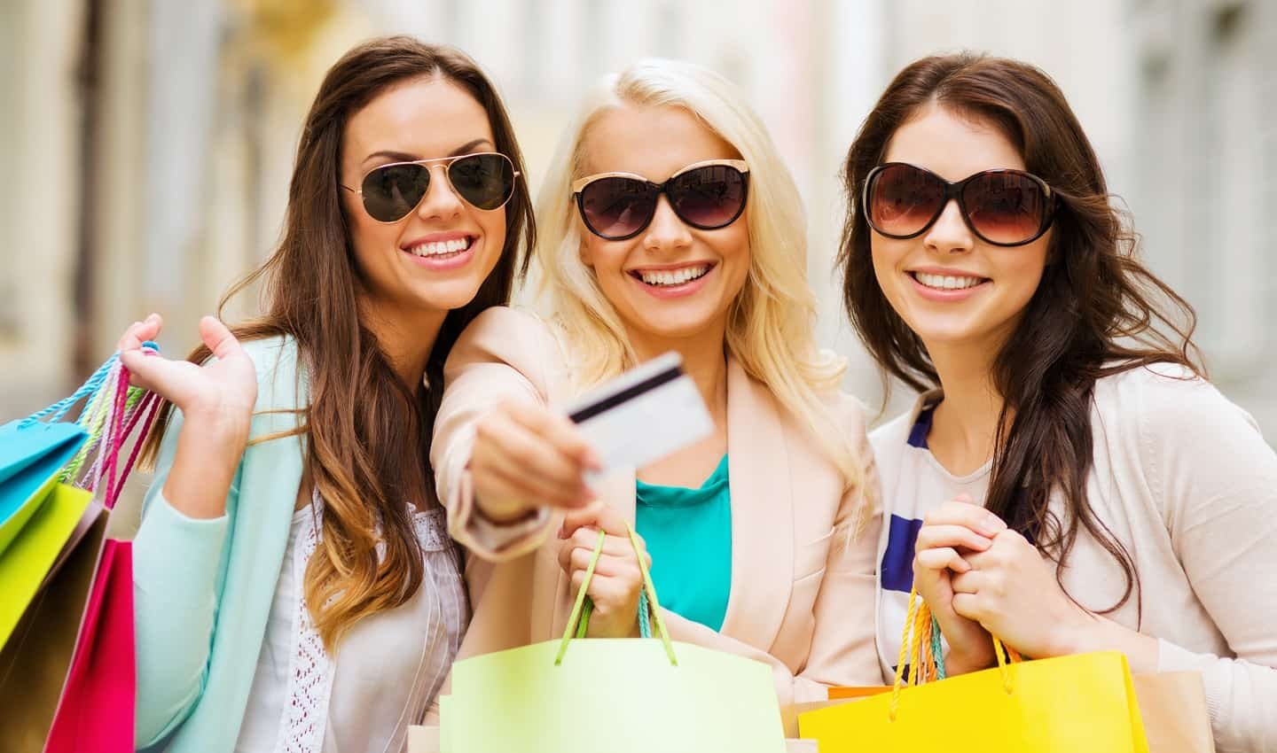 women looking to sell discounted gift cards